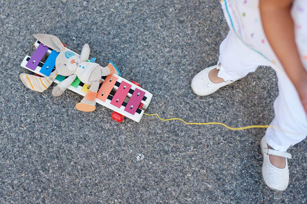 Doudou en promenade sur le xylophone