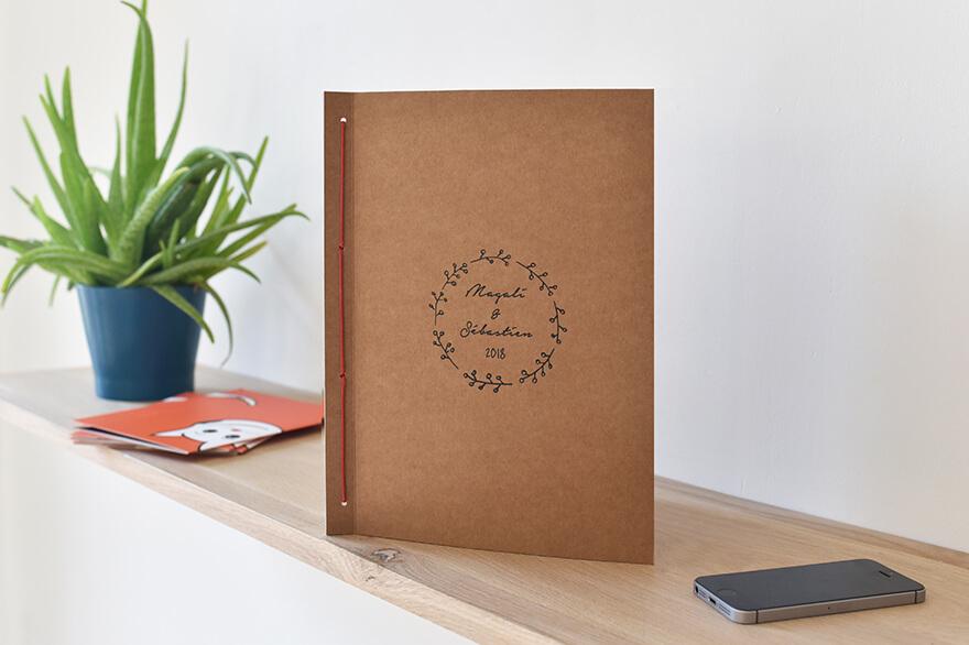 Album photo numérique. Le Kraft Book. Moment-photo