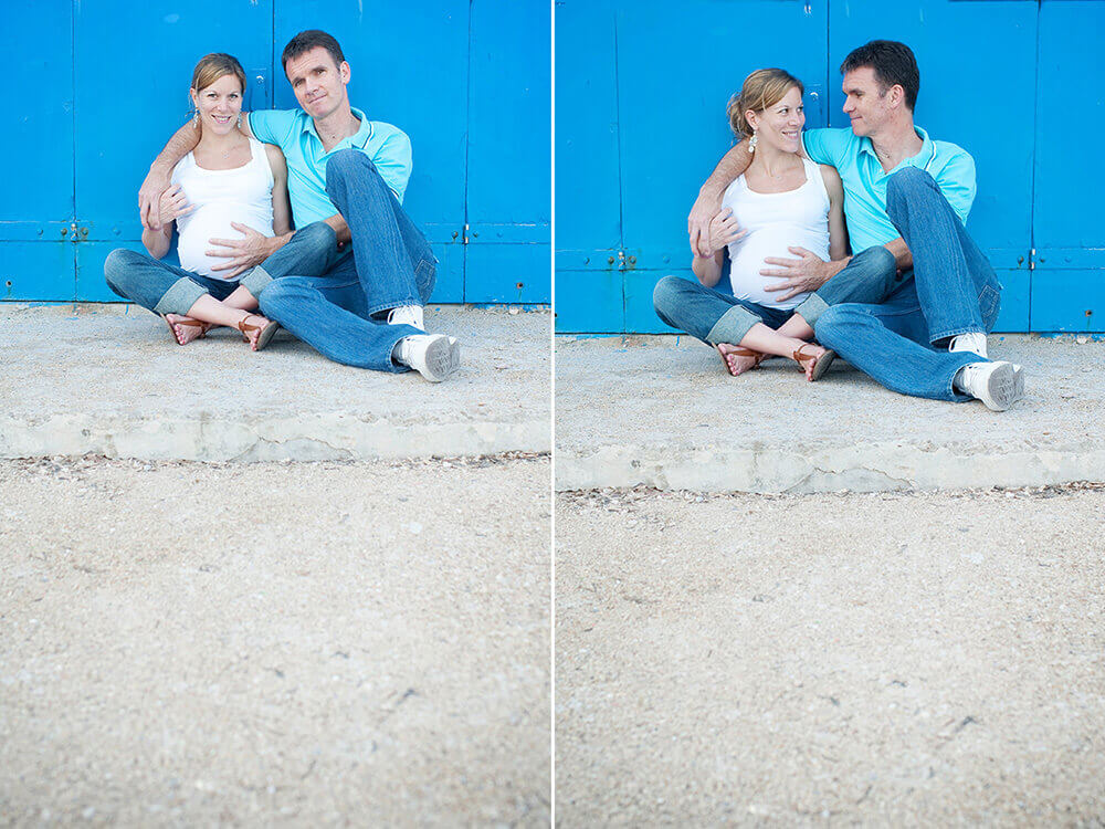 Photo de couple habillé en blanc sur fond bleu.