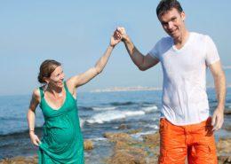 Couple sur les rochers du Bain des Dames à Marseille