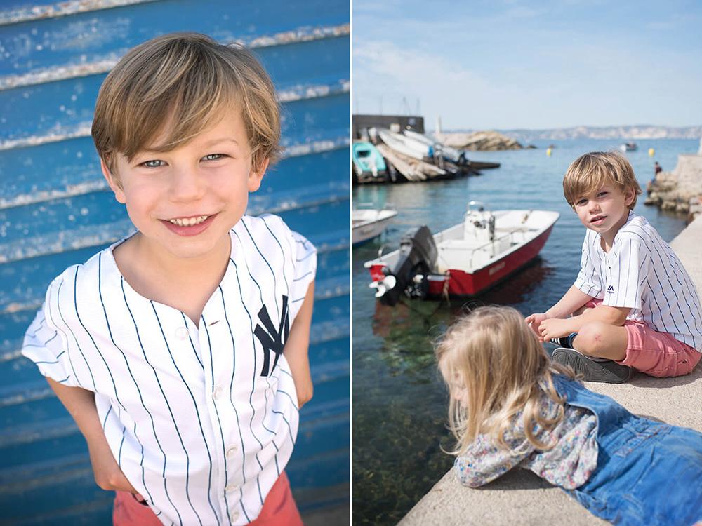 Portrait d'un grand frère avec sa soeur sur les quais