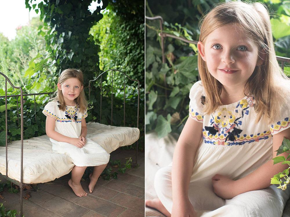 Portrait enfant avec de grands yeux bleus