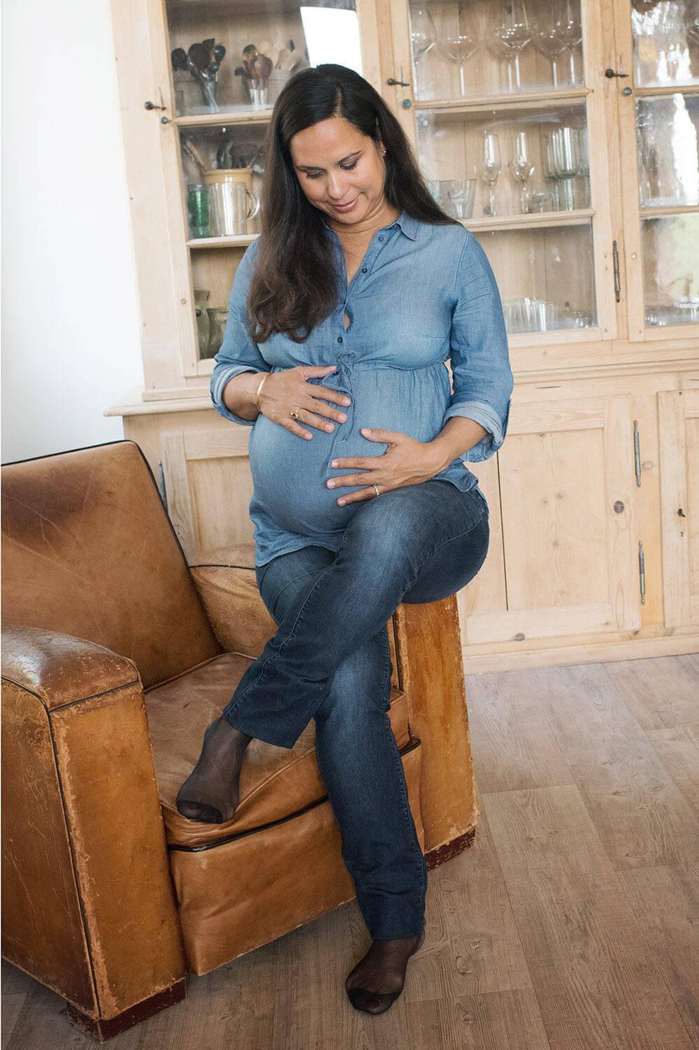Portrait d'une femme enceinte.
