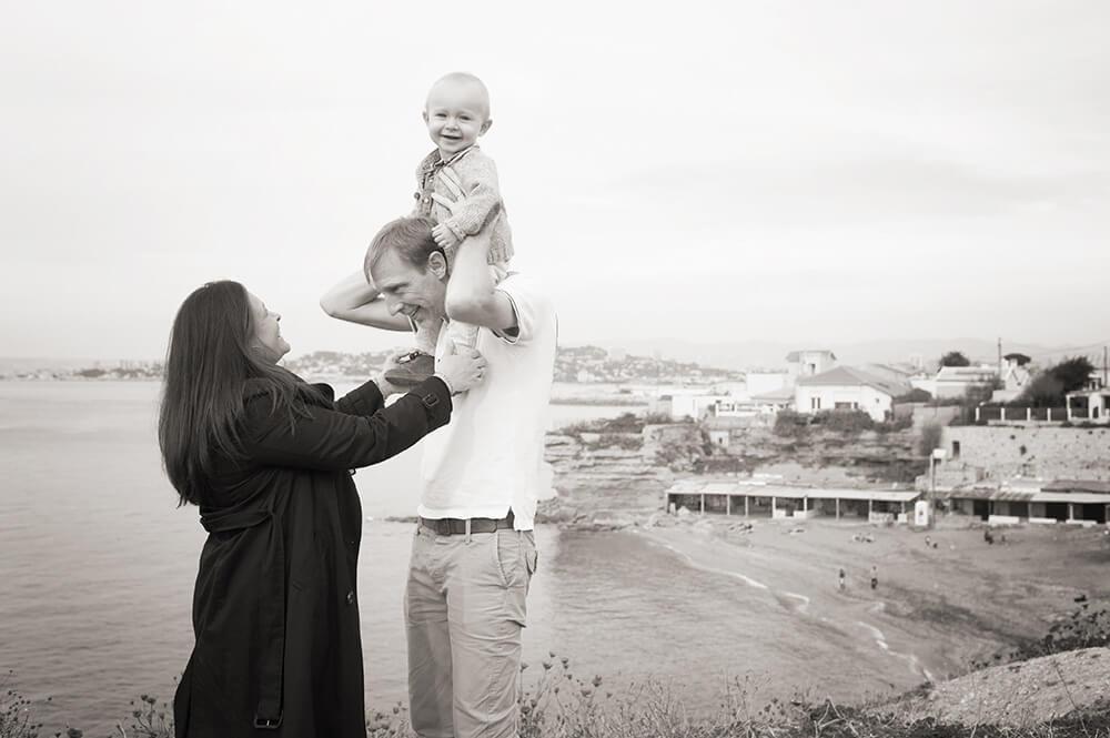 Photo en Noir et blanc de la famille à Marseille