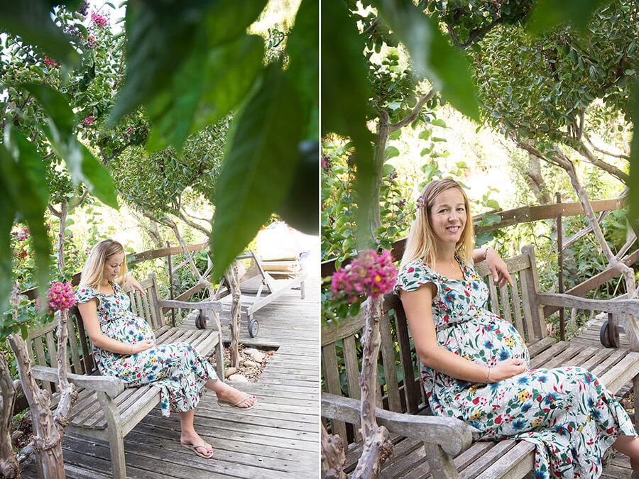 Femme enceinte assise sur un banc.